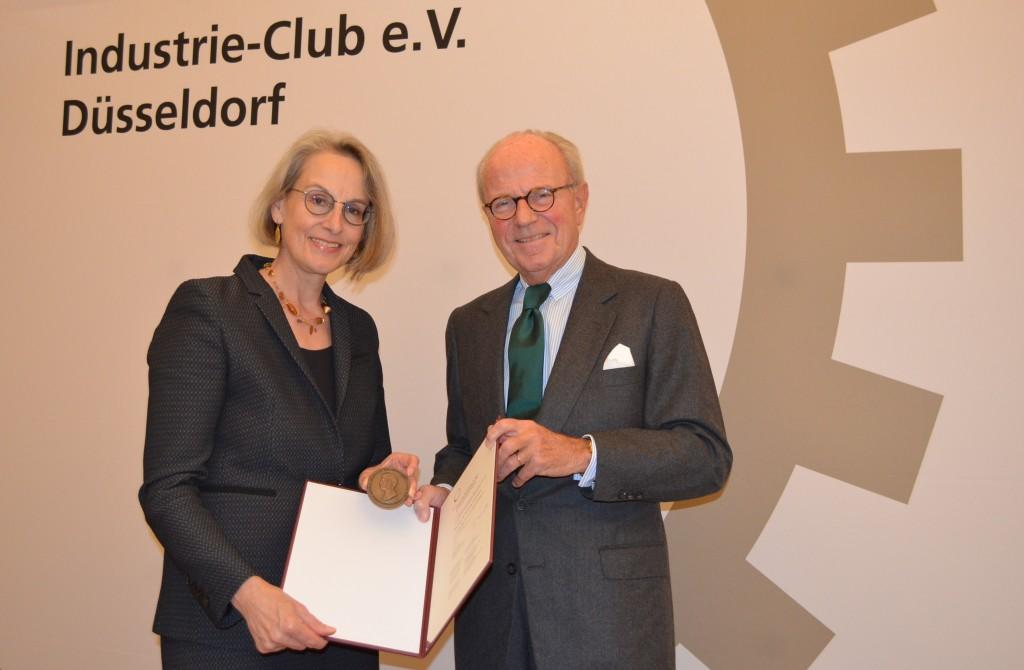 Ursula Staudinger receives the 2017 SENECA Award